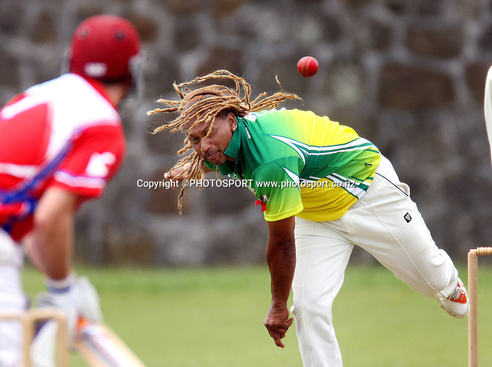 Cook Islands bowler Joseph Joe in action.<br />