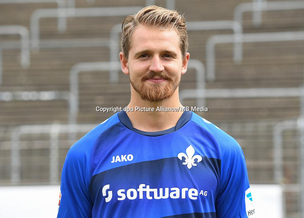 German Bundesliga - Season 2016/17 - Photocall SV Darmstadt 98 on 11 August 2016 in Darmstadt, Germany: Immanuel Hoehn. Photo: Arne Dedert/dpa   usage worldwide