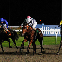 Dreams Of Fire and Ryan Moore winning the 6.30 race
