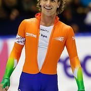 NLD/Heerenveen/20130111 - ISU Europees Kampioenschap Allround schaatsen 2013, 5000 meter heren, coach feliciteerd Renz Rotteveel
