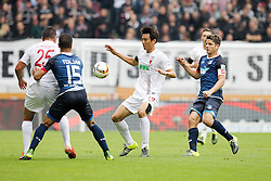 26.09.2015, WWK Arena, Augsburg, GER, 1. FBL, FC Augsburg vs TSG 1899 Hoffenheim, 7. Runde, im Bild l-r: im Zweikampf, Aktion, mit Raul Bobadilla #25 (FC Augsburg), Jeremy Toljan #15 (TSG 1899 Hoffenheim), Ja-Cheol Koo #19 (FC Augsburg) und Primin Schwegler #16 (TSG 1899 Hoffenheim) // during the German Bundesliga 7th round match between FC Augsburg and TSG 1899 Hoffenheim at the WWK Arena in Augsburg, Germany on 2015/09/26. EXPA Pictures © 2015, PhotoCredit: EXPA/ Eibner-Pressefoto/ Kolbert<br /> <br /> *****ATTENTION - OUT of GER*****