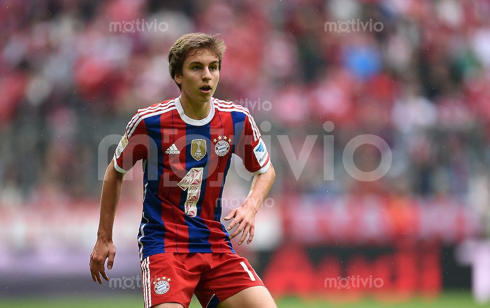 Fussball  1. Bundesliga  Saison 2014/2015   3. SPIELTAG FC Bayern Muenchen - VfB Stuttgart       13.09.2014 Gianluca Gaudino (FC Bayern Muenchen) am Ball