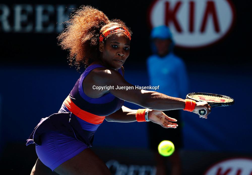 Australian Open 2013, Melbourne Park,ITF Grand Slam Tennis Tournament, Serena Williams (USA),Aktion,Einzelbild,Halbkoerper,Querformat,