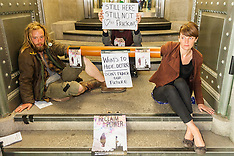2014-08-18 Anti-frackers superglue themselves to entrance of DEFRA headquarters
