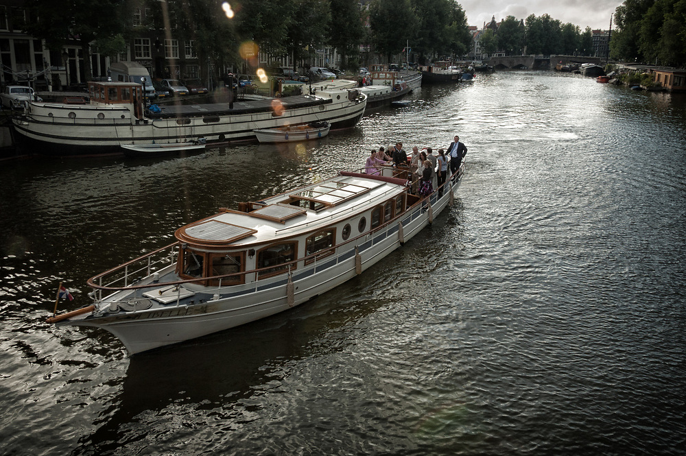 A beautiful boat on an evening cruise on the Waalseilandgracht.