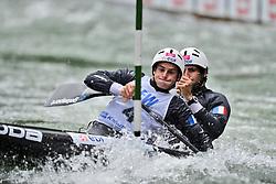 30.06.2013, Eiskanal, Augsburg, GER, ICF Kanuslalom Weltcup, zweier, im Bild Der franzoesische Zweier mit Gauthier KLAUSS (vorne) und Matthieu PECHE (hinten) im Finale., Finale, Zweier, Doppel, Kanu, Canoe, Frankreich // during the of two race of ICF Canoe Slalom World Cup at the ice track, Augsburg, Germany on 2013/06/30. EXPA Pictures © 2013, PhotoCredit: EXPA/ Eibner/ Matthias Merz<br /> <br /> ***** ATTENTION - OUT OF GER *****