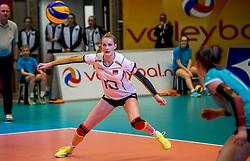 04-04-2017 NED:  CEV U18 Europees Kampioenschap vrouwen dag 3, Arnhem<br /> Duitsland - Nederland 3-1 / Nederland verliest kansloos van Duitsland met 3-1 - Lina Alsmeier #10