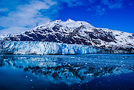 Glaciers and mountains create amazing nature images when visiting Alaska. The landscapes you see in Alaska are truly impressive.