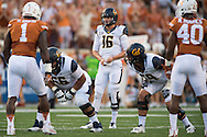 AUSTIN, TX - SEPTEMBER 19:  Jared Goff #16 of the California Golden Bears reads the defense against the Texas Longhorns on September 19, 2015 at Darrell K Royal-Texas Memorial Stadium in Austin, Texas.  (Photo by Cooper Neill/Getty Images) *** Local Caption *** Jared Goff