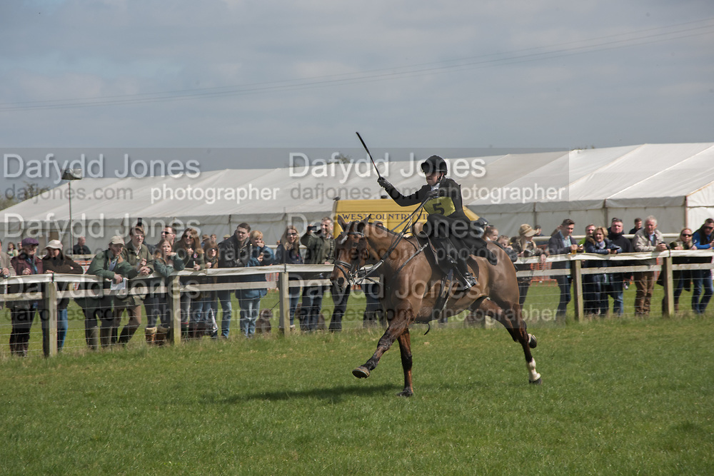 HEYTHROP LADIES DASH: Heythrop Point to Point, Cocklebarrow, 2 April 2017.