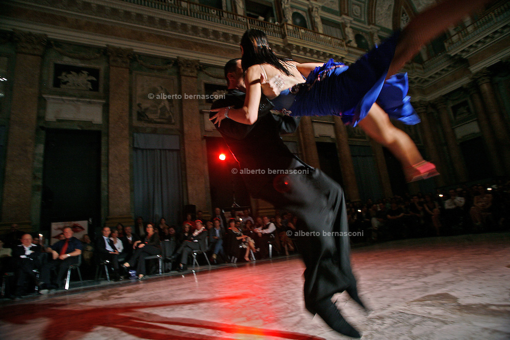 Italy, Genoa, Tango Festival:  , the night dance in the main hall,