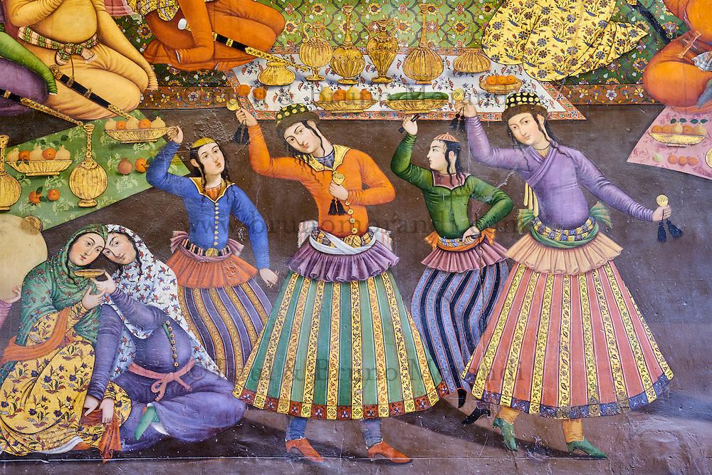 Iran, province d'Ispahan, Ispahan, Palais de Chehel Sotun, la salle du banquet, peinture murale historique, Shah Abbas I reçoit Vali Mohammad Khan // Iran, Isfahan, Chehel Sotun palace, The Great hall or Throne hall painting, the reception of Shah Abbas I for Vali Mohammad Khan