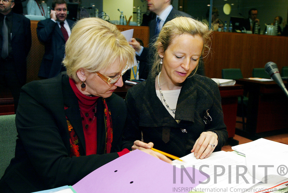 BRUSSELS - BELGIUM - 21 FEBRUARY 2005 --European Foreign Ministers meet on General Affairs and External Relations-- Margot WALLSTRÔM (Wallstrom, Wallstroem) (L) Vice-President of the European Commission and in charge of Institutional Relations and Communication Strategy with a member of her cabinet Anne BERGENFELT in charge of Relations with the Council. --  PHOTO: ERIK LUNTANG / INSPIRIT