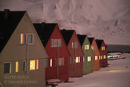 01: LONGYEARBYEN WINTER