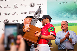 October 20, 2018 - Peniche, Portugal - Brazilian surfer Italo Ferreira was the winner of Meo Rip Curl Pro Portugal. (Credit Image: © Henrique Casinhas/NurPhoto via ZUMA Press)