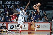 DESCRIZIONE : Caserta Lega serie A 2013/14  Pasta Reggia Caserta Acea Virtus Roma<br /> GIOCATORE : jimmy baron<br /> CATEGORIA : controcampo tiro tre punti sequenza<br /> SQUADRA : Acea Virtus Roma<br /> EVENTO : Campionato Lega Serie A 2013-2014<br /> GARA : Pasta Reggia Caserta Acea Virtus Roma<br /> DATA : 10/11/2013<br /> SPORT : Pallacanestro<br /> AUTORE : Agenzia Ciamillo-Castoria/GiulioCiamillo<br /> Galleria : Lega Seria A 2013-2014<br /> Fotonotizia : Caserta  Lega serie A 2013/14 Pasta Reggia Caserta Acea Virtus Roma<br /> Predefinita :