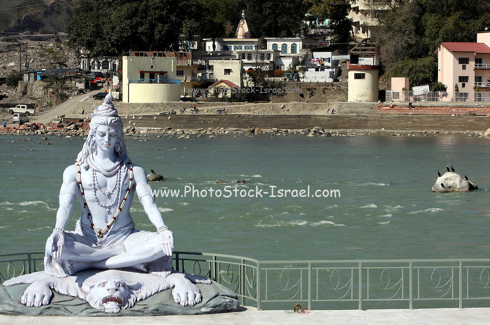 India, Uttarakhand, Rishikesh, Shiva Statue on the Ganges River, Shiva Statue