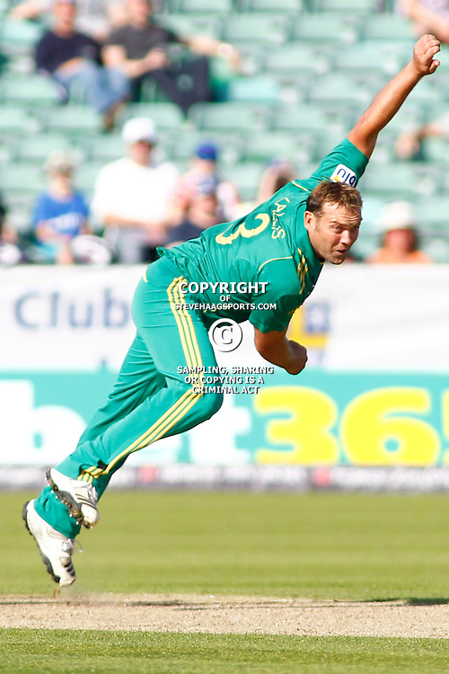 08/09/2012 Durham, England. Jacques Kallis bowling during the 1st Nat West t20 cricket match between  England and South Africa and played at Emirate Riverside Cricket Ground: Mandatory credit: Mitchell Gunn