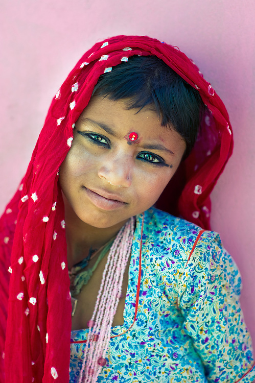 This girl belongs to the Bhopa tribe, a group of traditional musicians that used to lead a nomadic life.