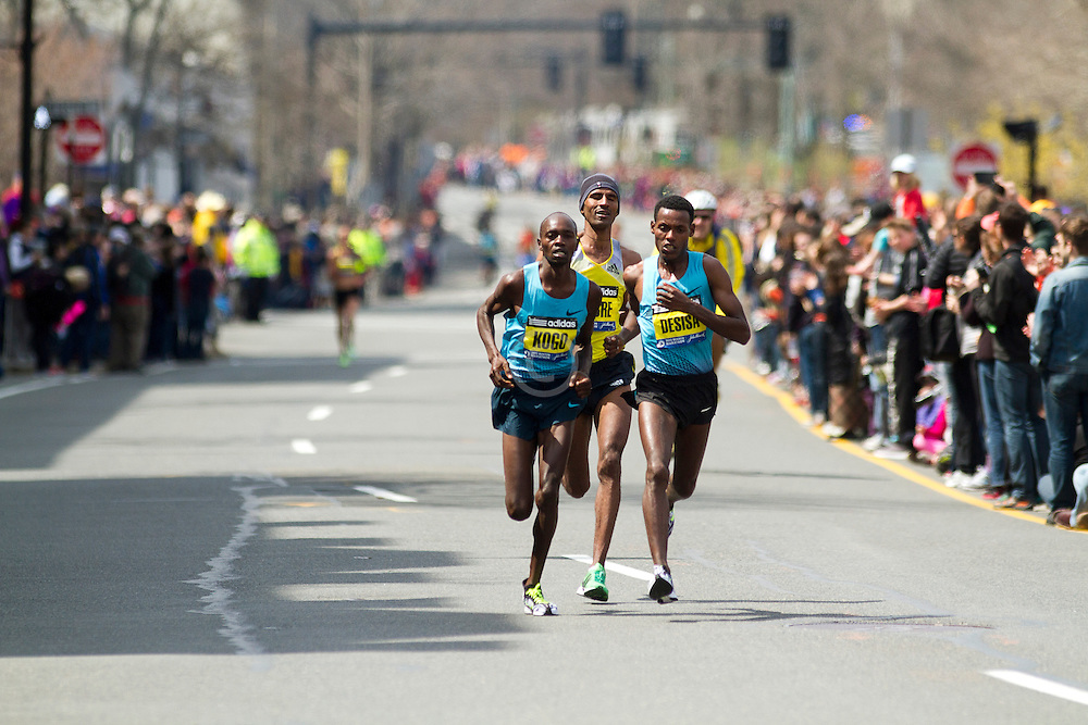 2013 Boston Marathon: lead pack Kogo, Gebremariam, Desisa