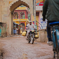 The activity in the narrow streets of Bundi