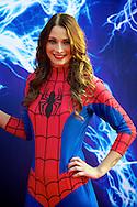 AMSTERDAM - Bij het Pathe ArenA Theater is de filmpremière van Spiderman II gehouden. Met hier op de foto Spiderwoman Charlotte. FOTO LEVIN DEN BOER - PERSFOTO.NU