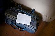 Milano, Stazione Centrale, bagagli presso Sos Exodus. Homeless bag