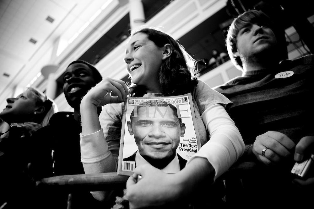 Democratic presidential hopeful Sen. Barack Obama (D-IL) holds a rally on February 2, 2007 in Fairfax, VA.