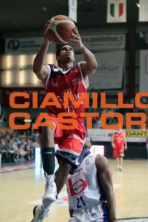 DESCRIZIONE : Cantu Lega A 2010-11 Bennet Cantu Angelico Biella<br /> GIOCATORE : Edgar Sosa<br /> SQUADRA : Angelico Biella<br /> EVENTO : Campionato Lega A 2010-2011<br /> GARA : Bennet Cantu Angelico Biella<br /> DATA : 17/04/2011<br /> CATEGORIA : Tiro Penetrazione<br /> SPORT : Pallacanestro<br /> AUTORE : Agenzia Ciamillo-Castoria/S.Ceretti<br /> Galleria : Lega Basket A 2010-2011<br /> Fotonotizia : Cantu Lega A 2010-11 Bennet Cantu Angelico Biella<br /> Predefinita :