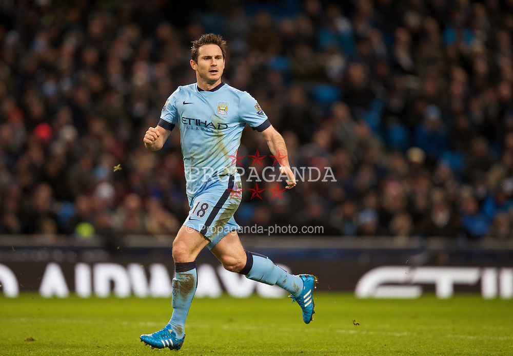 MANCHESTER, ENGLAND - Sunday, January 18, 2015: Manchester City's Frank Lampard in action against Arsenal during the Premier League match at the City of Manchester Stadium. (Pic by David Rawcliffe/Propaganda)