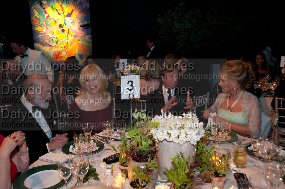 PRINCE MICHAEL OF KENT; LIZZIE SPENDER; RICHARD CARING; PRINCE MICHAEL OF KENT. The Ormeley dinner in aid of the Ecology Trust and the Aspinall Foundation. Ormeley Lodge. Richmond. London. 29 April 2009