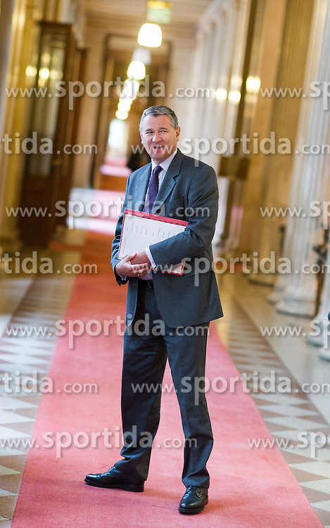 06.09.2016, Parlament, Wien, AUT, SPÖ, Sitzung des Parteipräsidiums. im Bild Wolfgang Katzian // during board meeting of the austrian social democratic party at austrian parliament in Vienna, Austria on 2016/09/06. EXPA Pictures © 2016, PhotoCredit: EXPA/ Michael Gruber