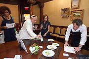 Lancement de Resto Golden Montreal 2018 / 09 / 17->25 par le Mille Carré Doré  #goldenmontreal  -  La Maison Louis-Joseph Forget, 1195 Sherbrooke O/W / Montreal / Canada / 2018-08-29, © Photo Marc Gibert / adecom.ca
