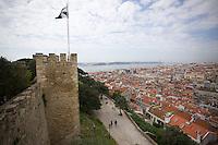 en.wikipedia.org/wiki/Castle_of_Sao_Jorge ( http://en.wikipedia.org/wiki/Castle_of_Sao_Jorge )