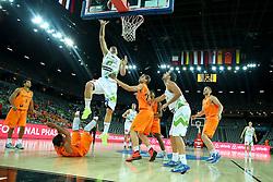 08-09-2015 CRO: FIBA Europe Eurobasket 2015 Slovenie - Nederland, Zagreb<br /> De Nederlandse basketballers hebben de kans om doorgang naar de knockoutfase op het EK basketbal te bereiken laten liggen. In een spannende wedstrijd werd nipt verloren van Slovenië: 81-74 / Alen Omic of Slovenia. Photo by Matic Klansek Velej / RHF