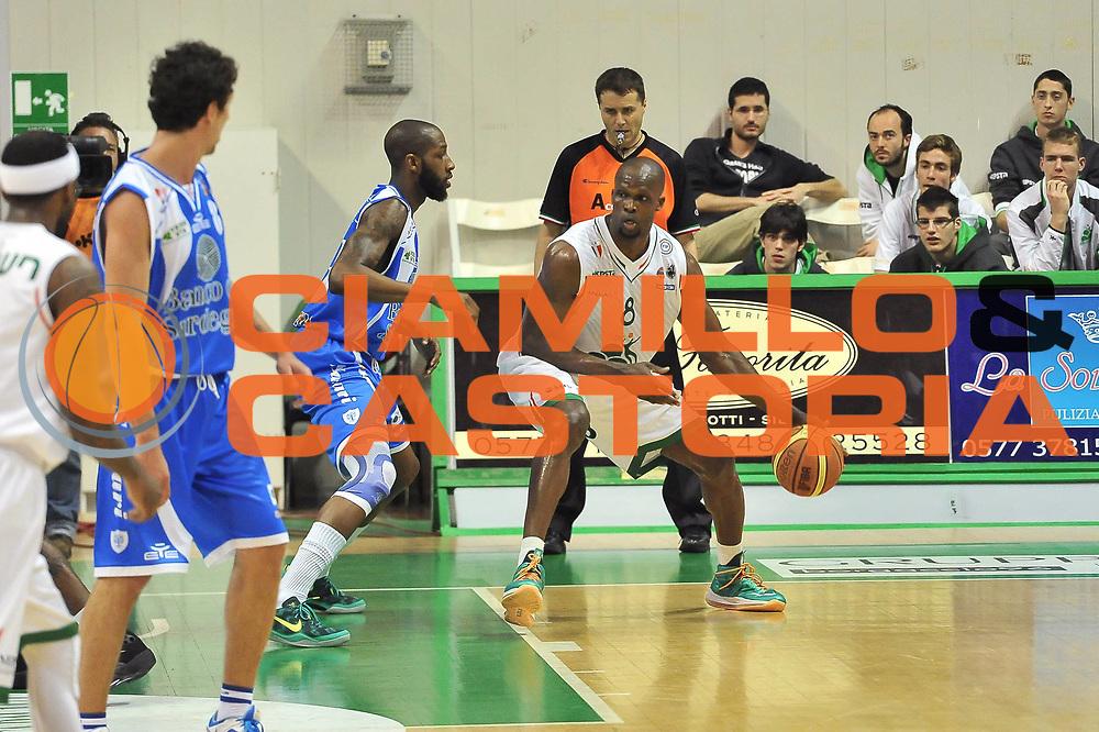 DESCRIZIONE : LegaBasket Serie A 2012-13 Montepaschi Siena - Banco di Sardegna Dinamo Sassari<br /> GIOCATORE : Benjamin Eze<br /> CATEGORIA : Palleggio Tecnica<br /> SQUADRA :  Montepaschi Siena<br /> EVENTO : Campionato Serie A<br /> GARA : Montepaschi Siena - Banco di Sardegna Dinamo Sassari<br /> DATA : 05/05/2013<br /> SPORT : Pallacanestro <br /> AUTORE : Agenzia Ciamillo-Castoria / Luigi Canu<br /> Galleria : Lega Basket A 2012-2013  <br /> Fotonotizia : LegaBasket Serie A 2012-13 Montepaschi Siena - Banco di Sardegna Dinamo Sassari<br /> Predefinita :