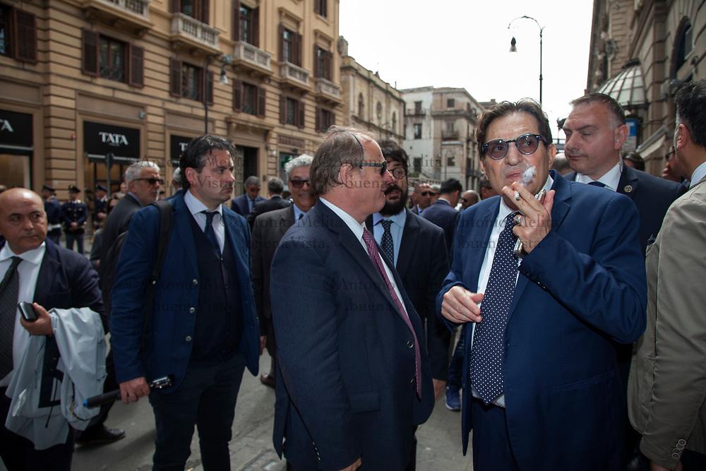 35° commemorazione uccisione La Torre e Di Salvo: il Governatore della Sicilia Rosario Crocetta all'esterno del Teatro Biondo di Palermo