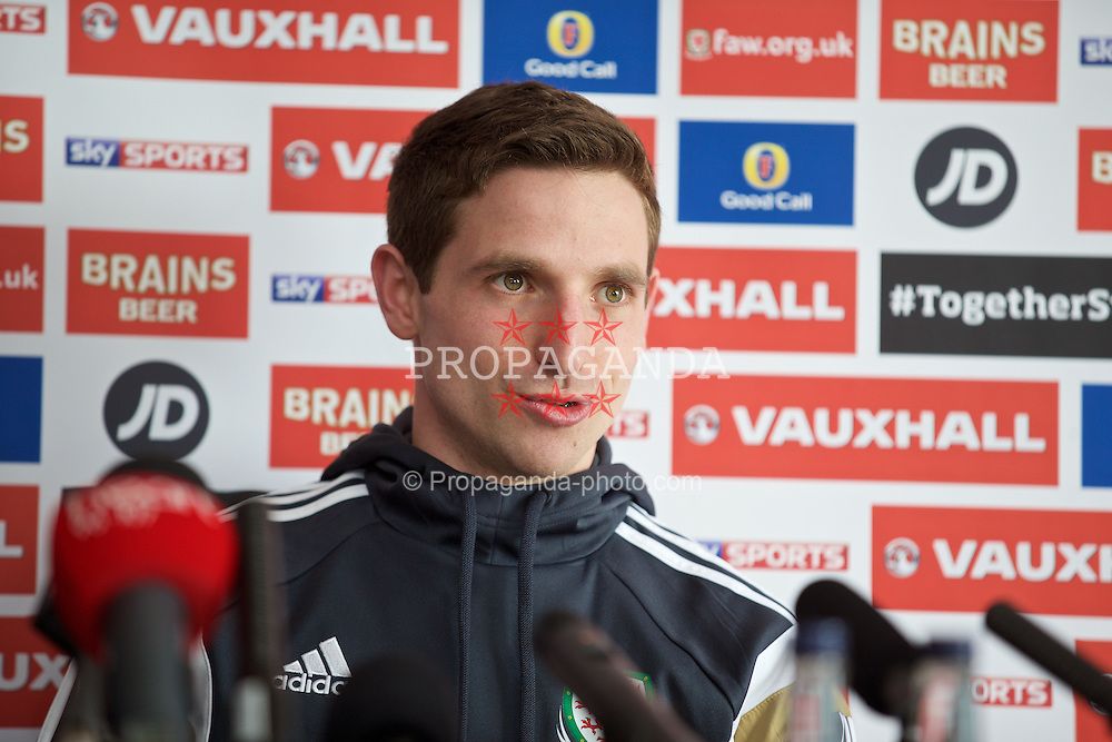 CARDIFF, WALES - Wednesday, March 25, 2015: Wales' Joe Allen during a press conference at the Vale of Glamorgan ahead of the UEFA Euro 2016 qualifying Group B match against Israel. (Pic by David Rawcliffe/Propaganda)