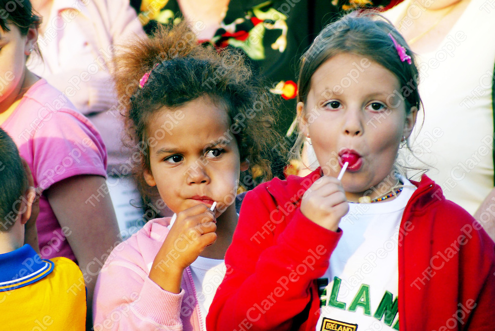 Jana (5) and Jianna (8) Schveng pictured at the Peadar Clancy Festival in Cranny, West Clare on Friday night. Pic.Brian Arthur/ Press 22.