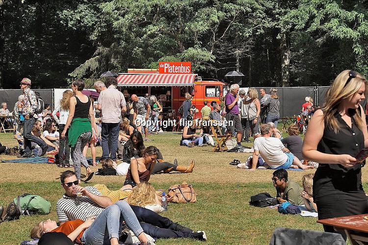 Nederland, Nijmegen, 4-6-2017MusicMeeting. Festivalterrein in park Brakkenstein. Traditioneel met pinksteren. Het mooie weer zorgde voor veel bezoekers en een goede, gemoedelijke sfeer. Optredens van acts, bands, artiesten uit de wereld muziek, worldmusic . Foto: Flip Franssen