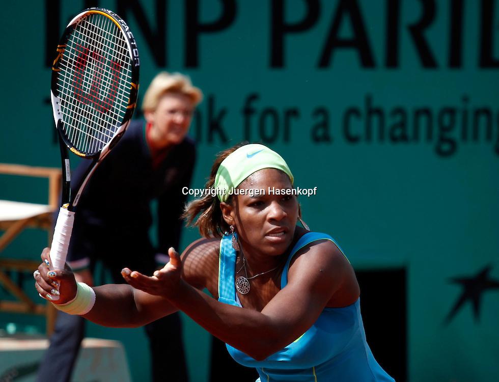 French Open 2010, Roland Garros, Paris, Frankreich,Sport, Tennis, ITF Grand Slam Tournament, ..Serena Williams (USA), ..Foto: Juergen Hasenkopf..