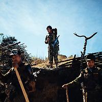 HSSU 20150409 TNLA kapinallisryhmä Shanin osavaltiossa, Myanmar. TNLA sotilaat tauolla. Kuva: Benjamin Suomela