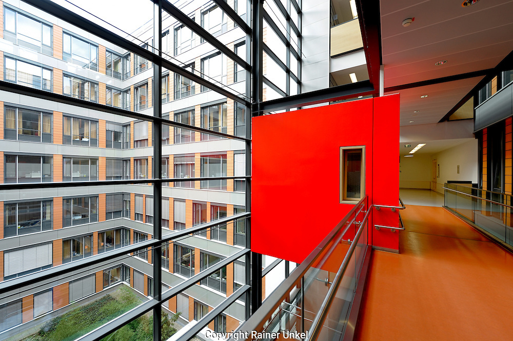 Uni-Klinik Mainz , 21.02.2013 ,. Copyright by : Rainer UNKEL , Tel.: 0171/5457756