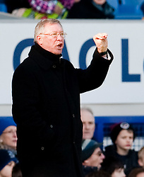 20.02.2010, Goodison Park, Liverpool, ENG, PL, Everton FC vs Manchester United, im Bild Manchester United's Manager / Trainer Alex Ferguson, EXPA Pictures © 2010 for Austria, Croatia and Germany only, Photographer EXPA / Propaganda / David Rawcliffe / for Slovenia SPORTIDA PHOTO AGENCY.