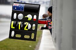 Motorsports / Formula 1: World Championship 2011, Testing in Barcelona, test, Pit board, pitboard