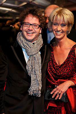 NLD/Amsterdam/20081208 - Premiere Wit Licht, Guus Meeuwis en partner Valerie Gregoire