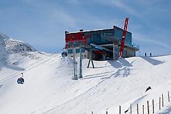 THEMENBILD - Adlerlounge im Grossglocknerresort. Die Adlerlounge (2621m) am Cimaros. Kals am 27.02.2010. EXPA Pictures © 2010, PhotoCredit: EXPA/ Johann Groder