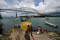 Vista del Puente las Americas en el Canal de Panama del  lado del océano Pacifico. .El puente conecta a la ciudad de Panama con la carretera Interamericana..Foto: Ramon Lepage / Istmophoto.