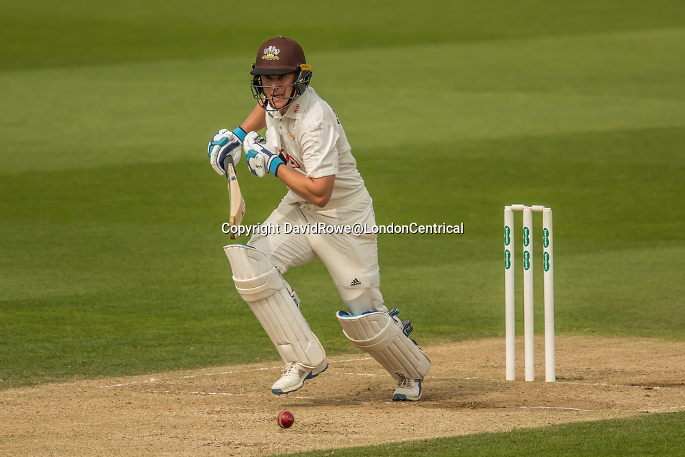 London,UK. 29 August 2017. Scott Borthwick batting for Surrey against Middlesex at the Oval on day two of the Specsaver County Championship match at the Oval. David Rowe/ Alamy Live News