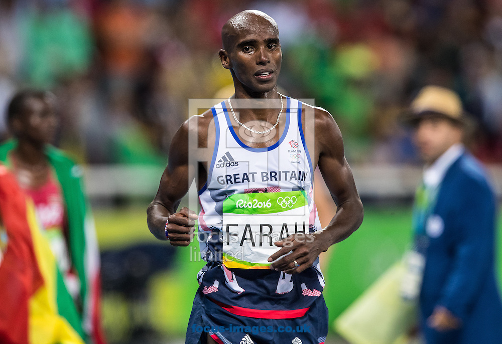 Mo Farah of Great Britain takes Gold to retain his title in the Men's 10,000m on day eight of the XXXI 2016 Olympic Summer Games in Rio de Janeiro, Brazil.<br /> Picture by EXPA Pictures/Focus Images Ltd 07814482222<br /> 13/08/2016<br /> *** UK &amp; IRELAND ONLY ***<br /> <br /> EXPA-GRO-160814-5311.jpg
